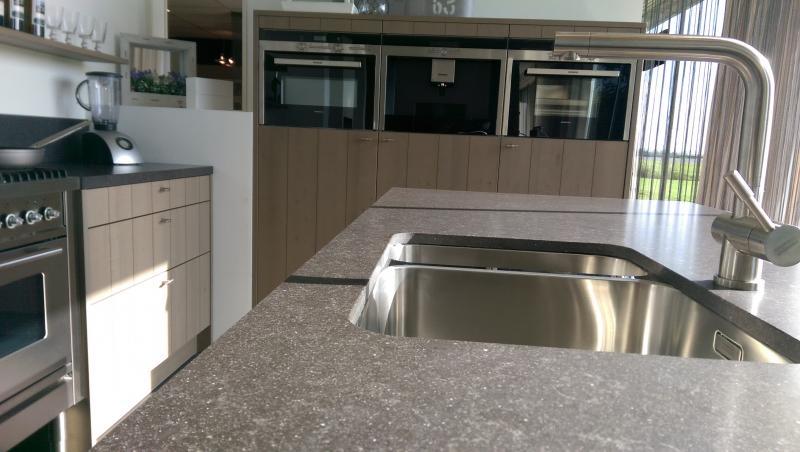 Keuken Riviera Maison Stijl : fineer keuken in de riviera maison stijl luxe ingericht met siemens