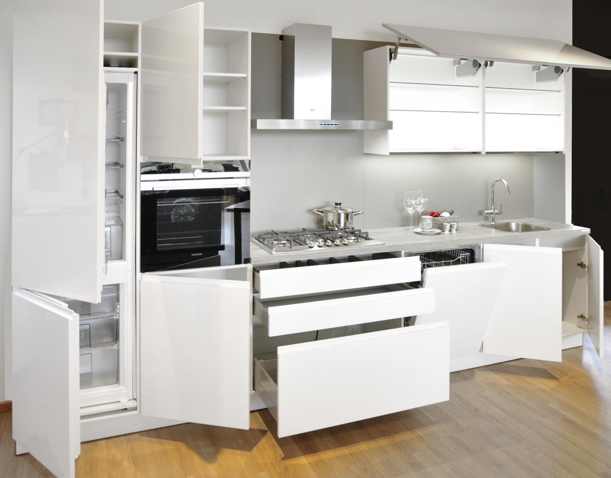 Alpha Design Keukens : Showroom keukens: Nolte Alpha lak wit/Sahara